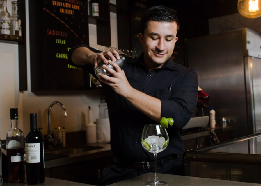 bar service NYE